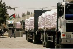 Food and basic goods continue to enter Gaza from Israel, Gaza people receive treatment in Israel