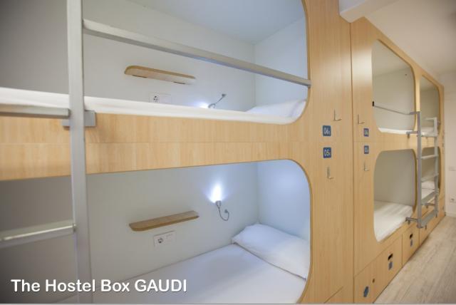 imag_1892_Room 2 the Hostel BoxGaudi