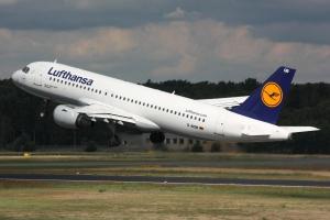 Lufthansa_A320_D-AIQB