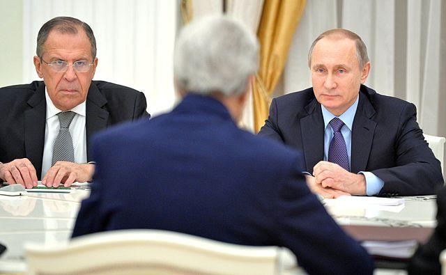 Vladimir_Putin_and_John_Kerry_(2015-12-15)_01