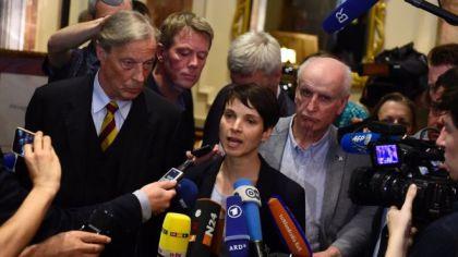 Koblenz: ENF parties in 'Trumpera'