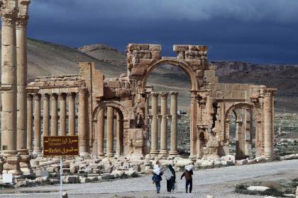 Mogherini towards talks onSyria