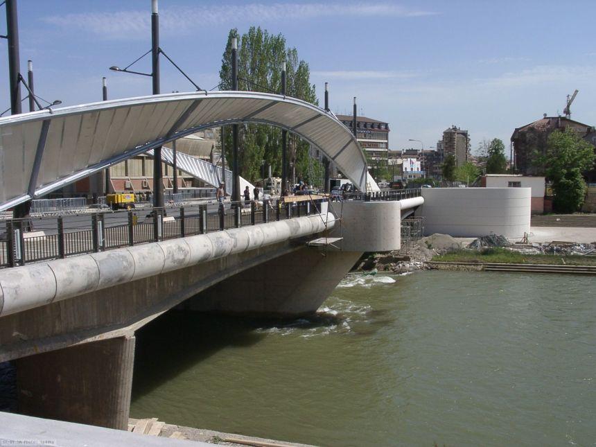 mitrovica-brigde