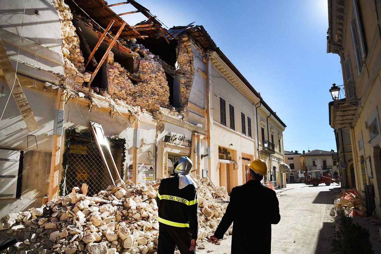 EU to help Italian earthquake-hit regions