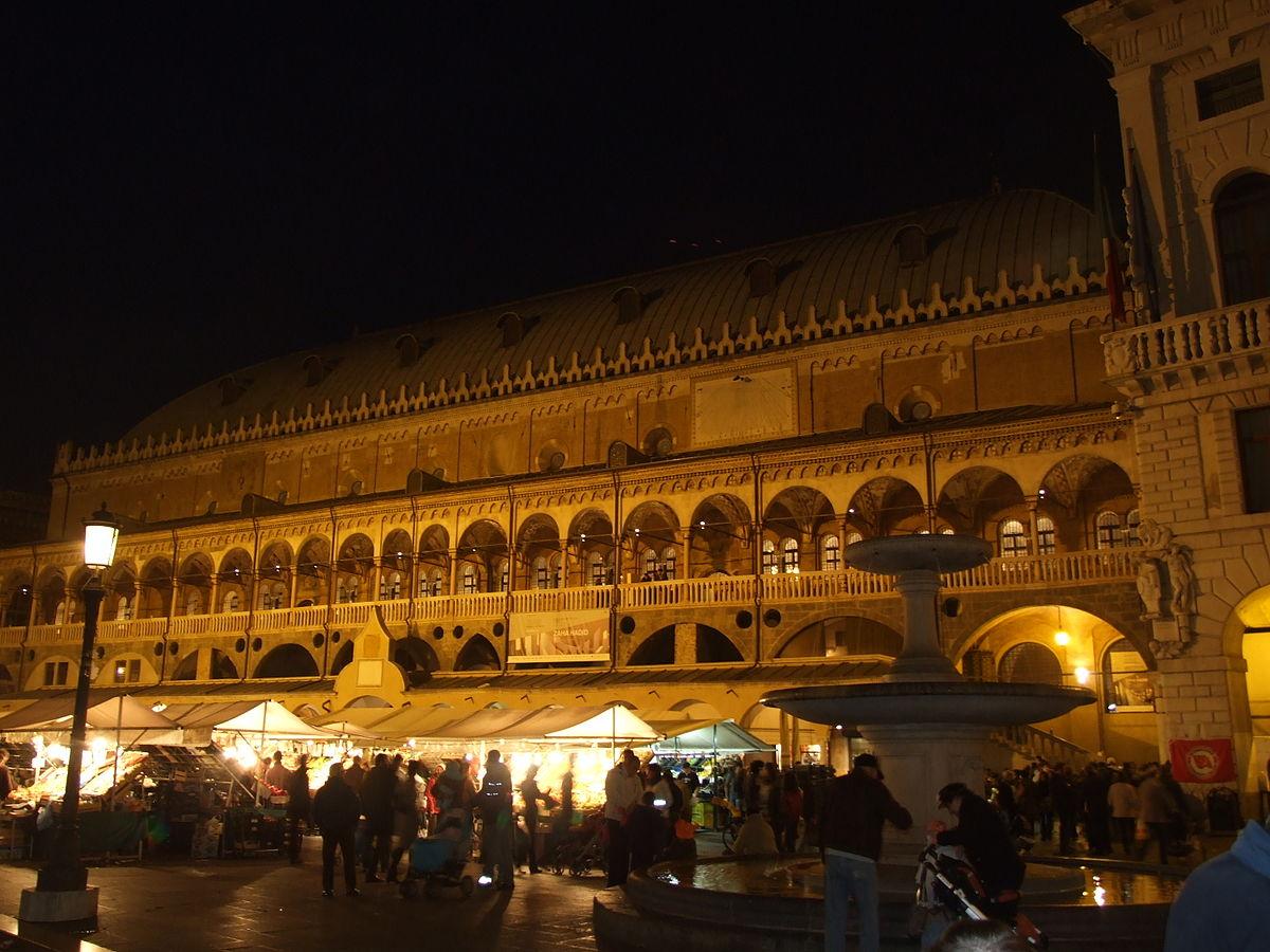 Padova_Piazza_delle_Erbe