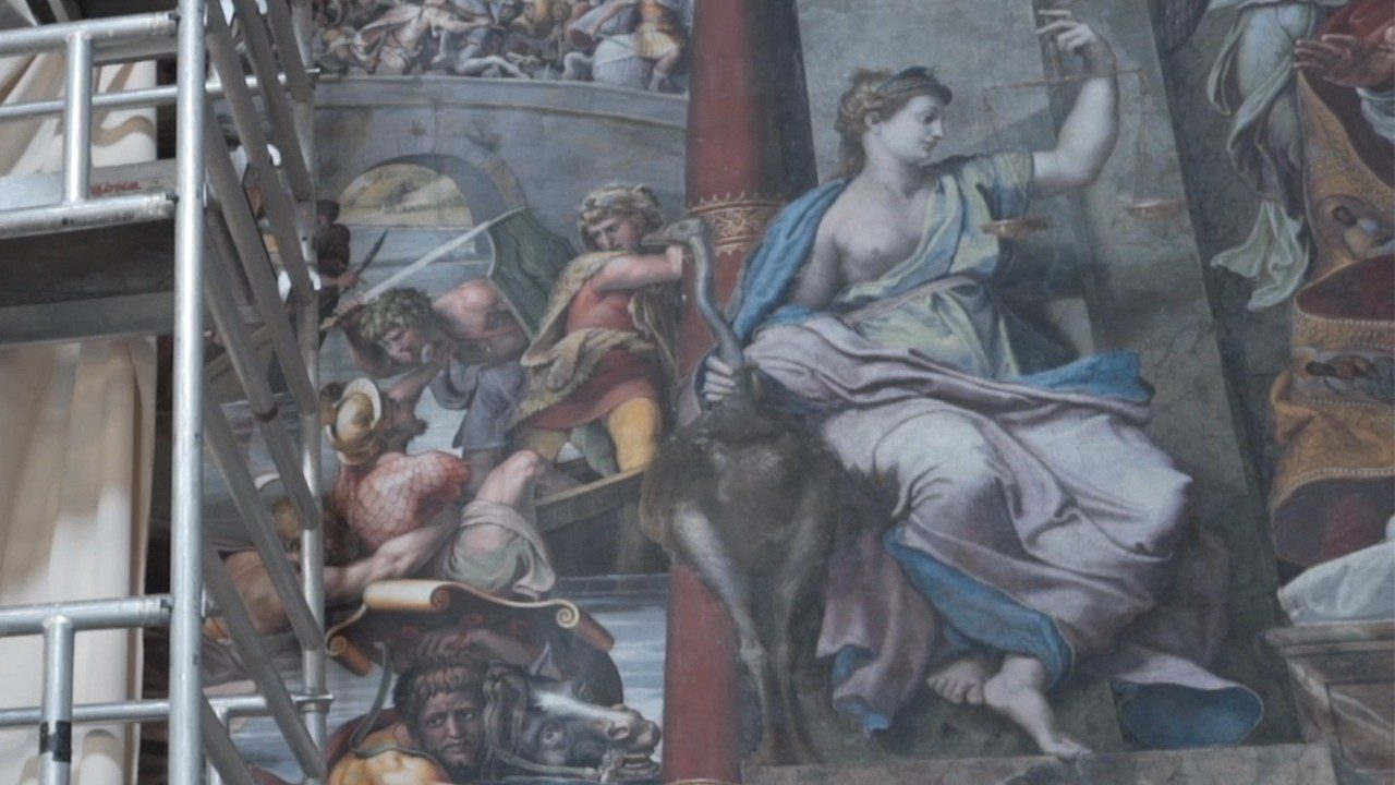 Vatican museums. The restoration that reveals the last Raphael